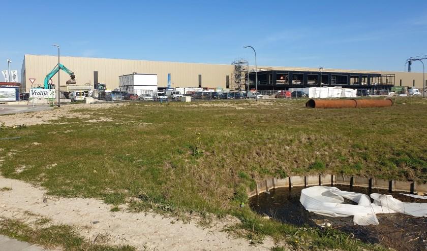 Het nieuwe pand voor Bakker Barendrecht is al volop in aanbouw