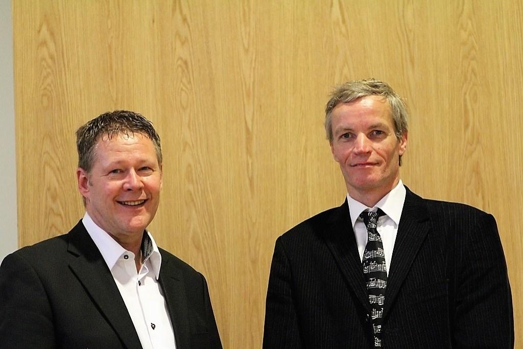 Tekstdichter ds. Martin de Geus (links) en componist Dirk Zwart  © Baruitgeverij