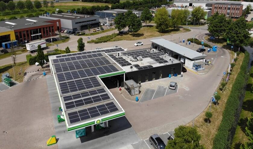 Luchtfoto Ziedewij locatie met zonnepanelen.