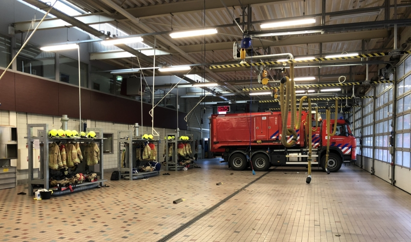 Bijna alle wagens van de Ridderkerkse brandweer waren donderdag weg (foto Arjan den Besten)