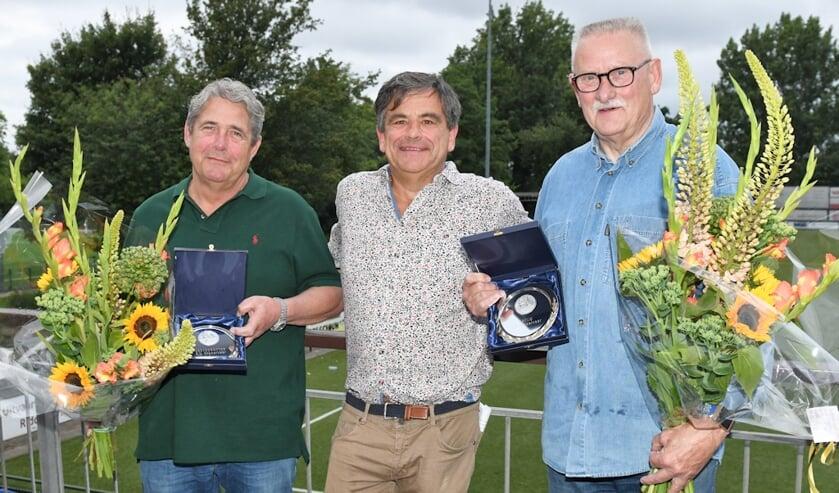 V.l.n.r.: Erevoorzitter Joop van Ettinger, voorzitter Rinus Hitzert en erelid Gilles Brandt.