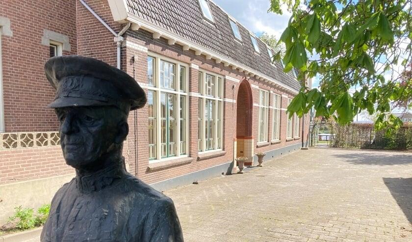<p>De voormalige school waar op 15 mei 1940 de capitulatie werd getekend.</p>