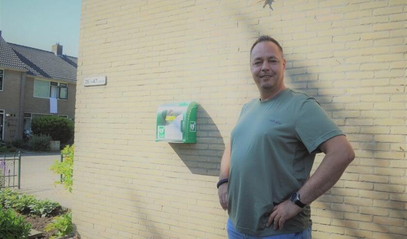 <p>Ferry Tip heeft de AED voor de buurt bij zijn huis weten te krijgen.&nbsp;</p>