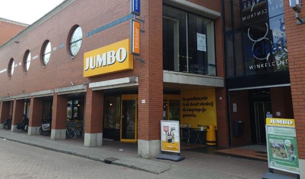 <p>Het pand van Jumbo aan het Onderlangs is te klein. </p>
