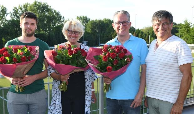 <p><br>v.l.n.r.: Stefan van Buuren, Truus Noorlander, Guido Revet en Rinus Hitzert, de drie jubilarissen van de vereniging.&nbsp;</p>