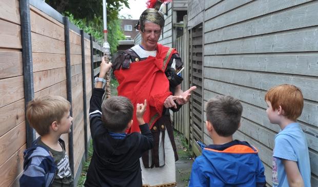<p>De Romeinse soldaat was &eacute;&eacute;n van de vossen. (foto: Arnold Sluijs)</p>