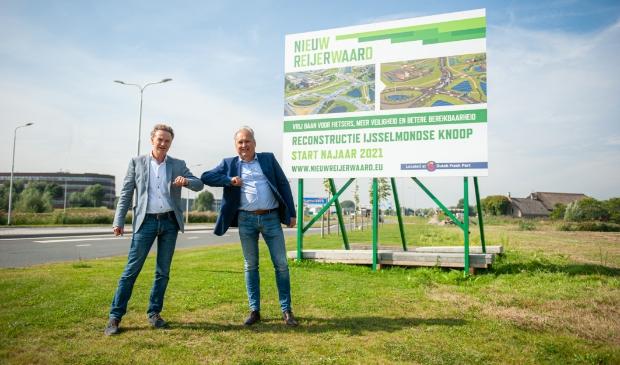 <p>Gert-Jan Metselaar van de GRNR en Pieter Ahsman van KWS bij de aankondiging van de werkzaamheden aan de IJsselmondse Knoop.</p>