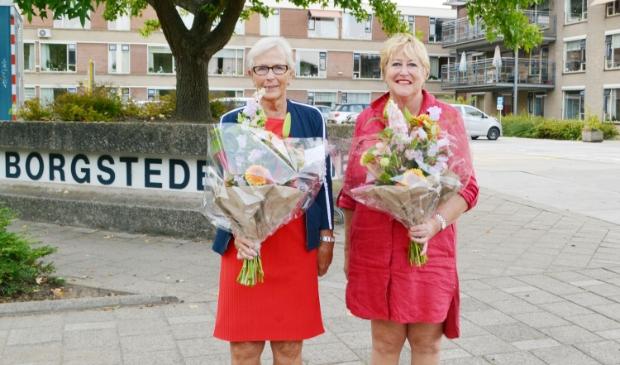 <p>Janny van Wouwe en Caroline Oostveen. </p>