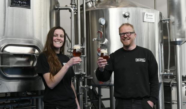 Nina en martin in brouwerij