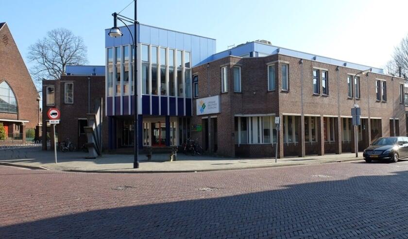 <p>De voormalige bibliotheek was een ideale vaccinatielocatie voor veel Oldenzalers - centraal gelegen, goed bereikbaar en veel parkeerruimte. Na bewezen diensten gaat deze eind juli dicht.</p>
