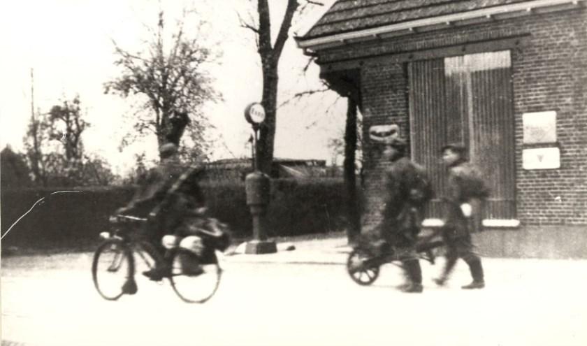 Laatste Duitsers vluchten uit Markelo
