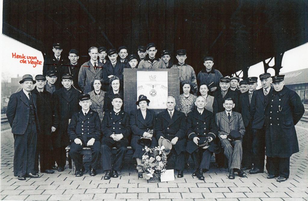 Henk van der Vegt in Oorlogstijd 1943 station Hengelo Foto:  © DWF mediamakers