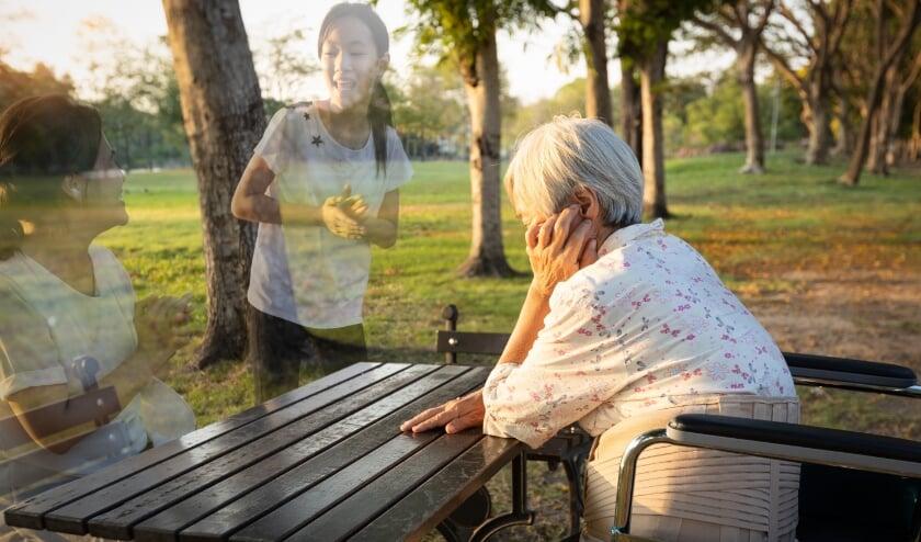 <p>Vooral tijdens vakantieperioden, wanneer familie niet op bezoek komt, kunnen ouderen zich eenzaam voelen.</p>