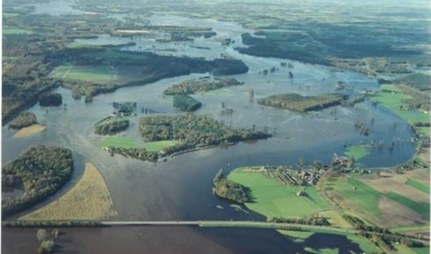<p>Overstroming van de Dinkel in augustus 2010</p>