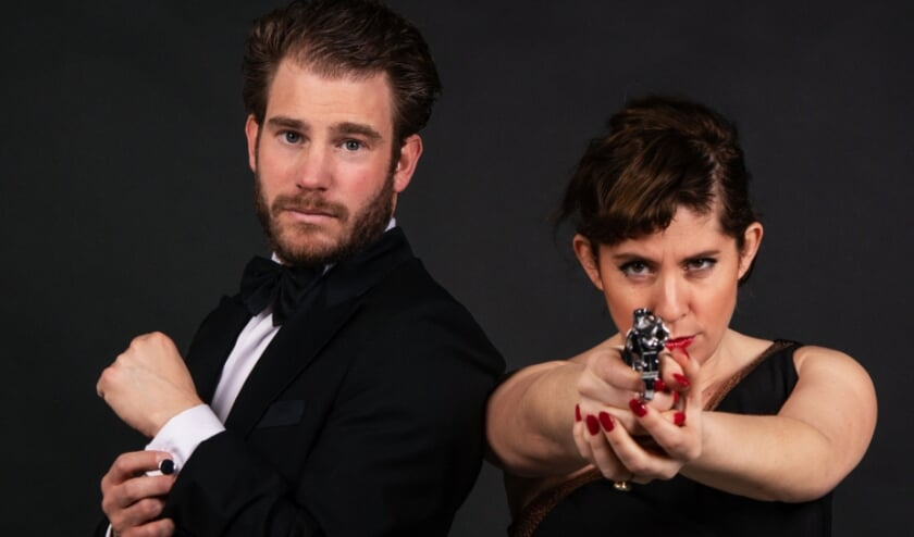 <p>Dorona Alberti en Tim Akkerman brengen een ode aan James Bond in het Muziekcentrum in Enschede..&nbsp;</p>