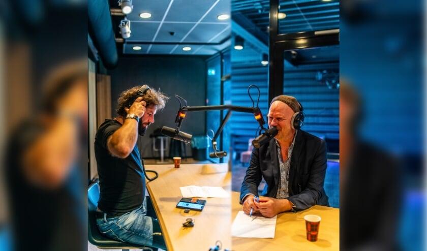 <p>Hendrik Jan B&ouml;kkers en Albert Bartelds maken samen de podcast De Nedersaksen. Ze nemen eenieder mee in de Nedersaksische cultuur, taal en geschiedenis.</p>