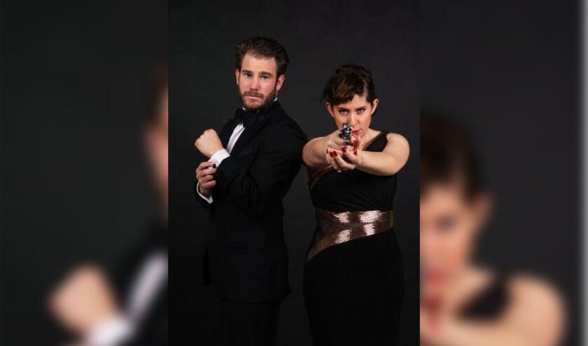 <p>Dorona Alberti en Tim Akkerman brengen een ode aan James Bond.&nbsp;</p>