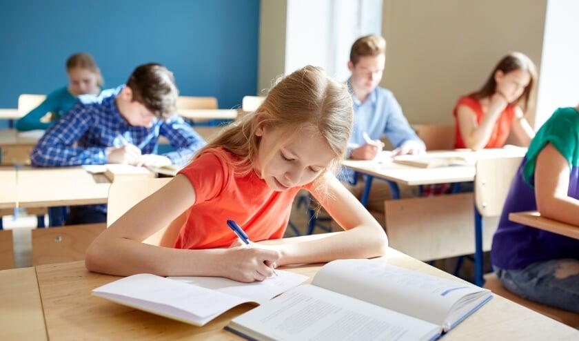 <p>Er zijn veel ondersteunende maatregelen om kinderen te helpen wanneer een klein inkomen een belemmering is.</p>
