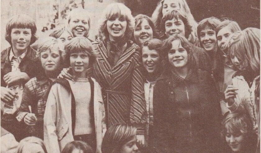 <p>Getty en de Hengelose jeugd van destijds</p>