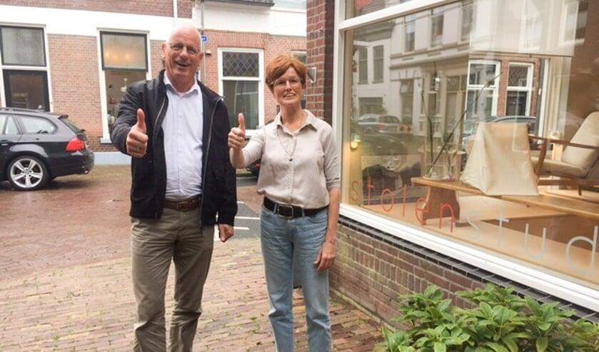<p>Jan Martin van Rees en Philippien Kramer bij Stolen Studio. ''We trekken mensen van heinde en verre.''</p>
