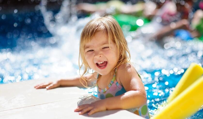 <p>Zwemmen is niet alleen leuk. Beheersing van zwemvaardigheid op jonge leeftijd k&aacute;n ook hun leven redden.</p>
