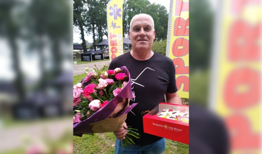 <p>Andr&eacute; Siegerink wint een mooie bos bloemen en een heerlijke slagroomtaart.&nbsp;</p>