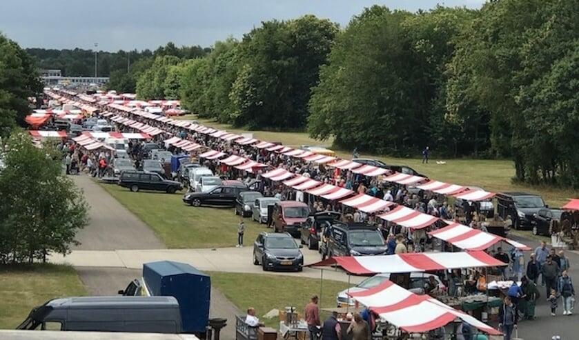 <p>Kom op zaterdag 14 en zondag 15 augustus naar Vliegveld Twenthe voor een bezoek aan de Langste Vlooienmarkt van Nederland.</p>