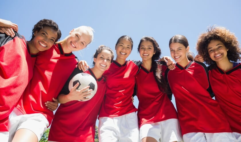 <p>Project Wereldmeiden in Rijssen-Holten leren meiden door samen te sporten</p><p>elkaars achtergronden kennen en breiden ze hun sociale netwerk uit.</p>