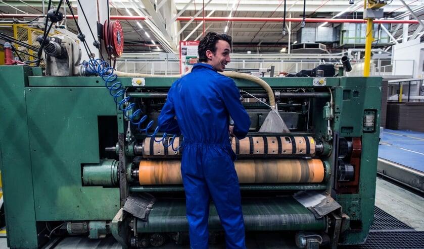 <p>Van Supermarktmanager naar Allround Operator - Zo vond Erwin zijn droombaan (algemene foto van een operator).&nbsp;</p>