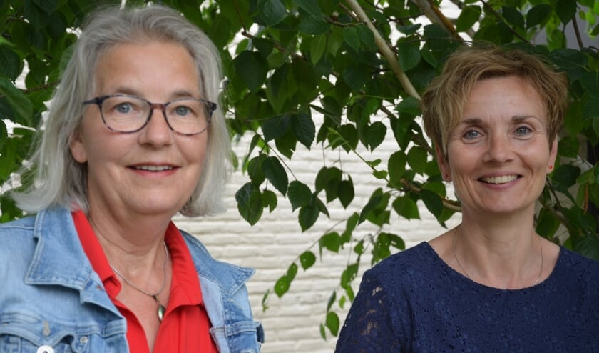 <p>Ineke Tieltjes (cursusleidster) en Mirjam van Baalen (Mantelzorg Almelo).</p>