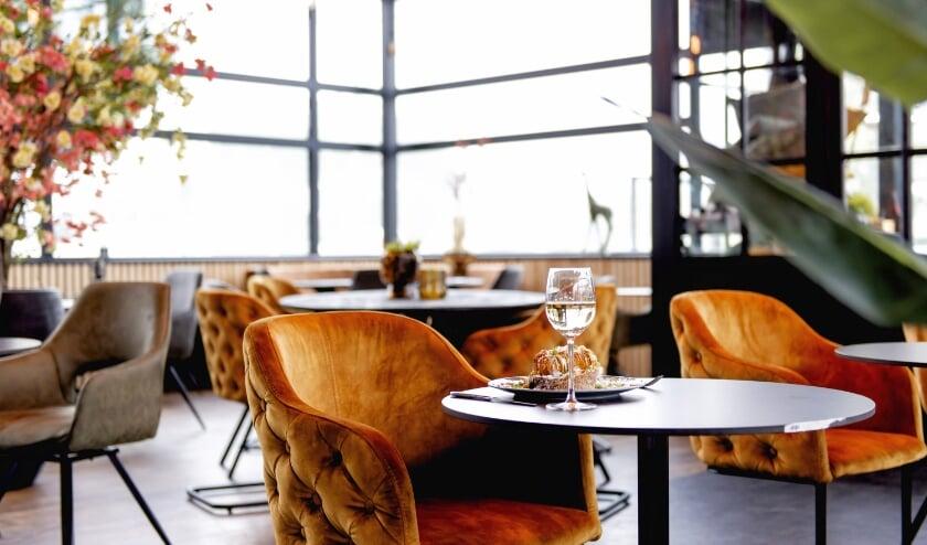 <p>Foodclub BLVD60 opent in september op Lifestyle Boulevard Almelo. Het is volgens eigenaar Eser G&uuml;zel &#39;&#39;een plek waar je makkelijk naar binnenloopt en even kunt onthaasten van je drukke leven&#39;&#39;.</p>