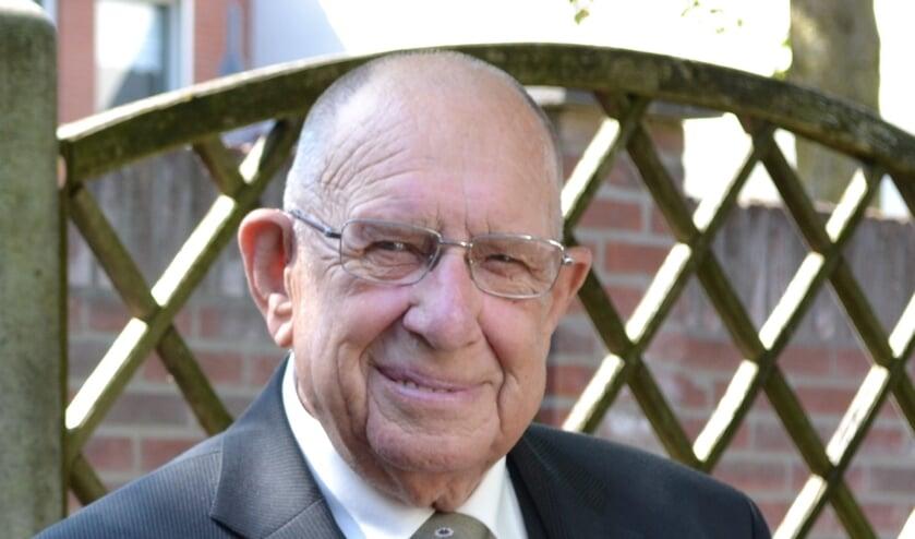 <p>Dick Tukkers is dinsdagavond op 87-jarige leeftijd in Huize Maranatha overleden.</p>