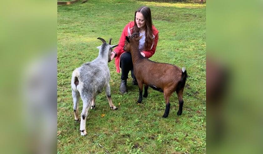 <p>Mariska heeft de opleiding paraveterinair dierenartsassistent afgerond en heeft een eigen dierenopvang.</p>