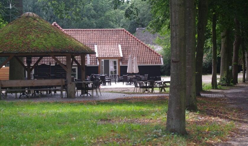 <p>Het informatiepunt van Schuilenburg past perfect in het landschap en bij de rest van de bebouwing.</p>