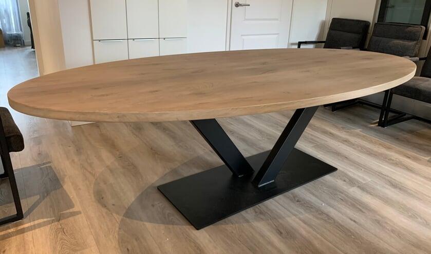 <p>Nijhuis Meubels levert graag een unieke tafel, geheel naar &uacute;w wensen. Vakmanschap dat ook nog eens verrassend betaalbaar is!</p>