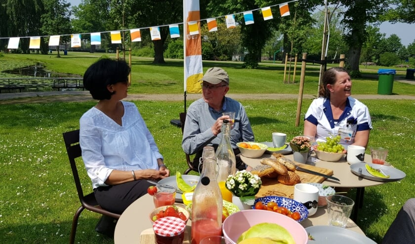<p>Manna organiseert leuke picknicks in de regio om ontmoeting te stimuleren. Zo ook komende vrijdag in Borne.</p>