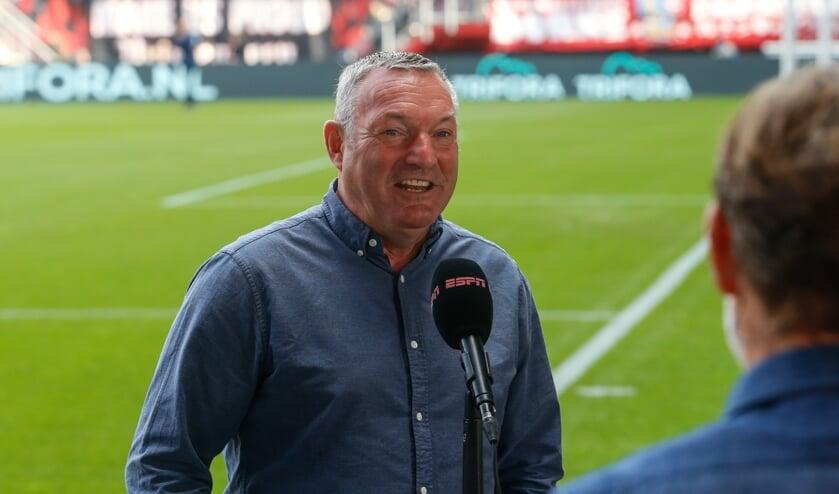 <p>Ron Jans na de wedstrijd van FC Twente tegen Ajax in de Grolsch Veste. (Foto: FC Twente Media)</p>