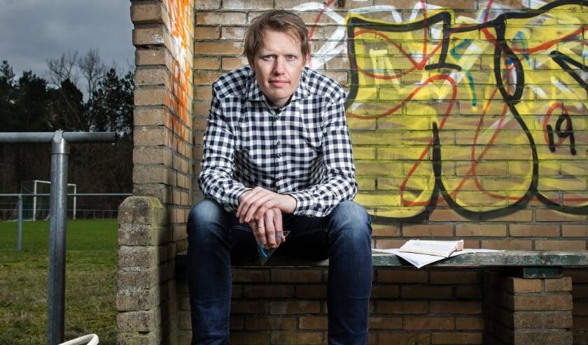 <p>Jan Beuving opent komende woensdag het cabaretjaar in Delden met een gezellige voorstelling in het Parochiehuis.</p>