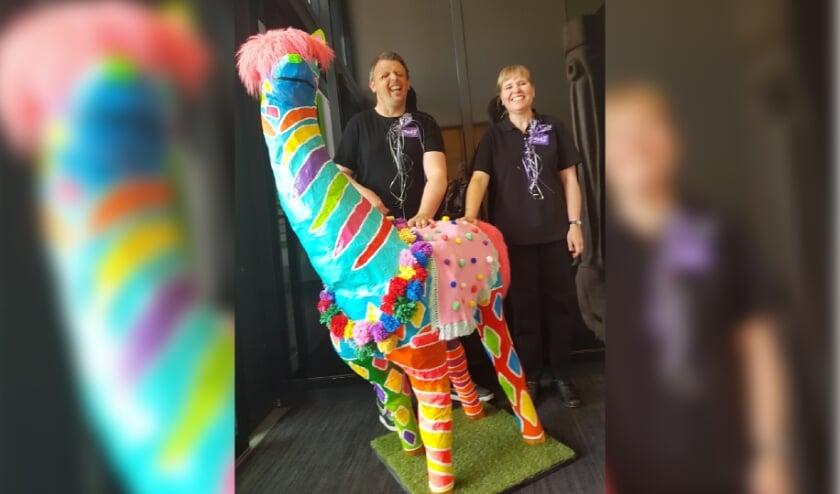 <p>Van de werken van de kunstenaars van &nbsp;Aventurijn wordt je vrolijk. Zo ook van de bontgekleurde alpaca die te zijn is in het Kulturhus.</p>