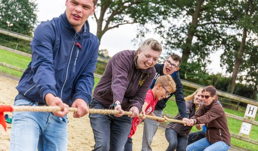 <p>Gezellig samen in actie bij de Olympische dag van de Boerderijcampus in Tilligte.</p>