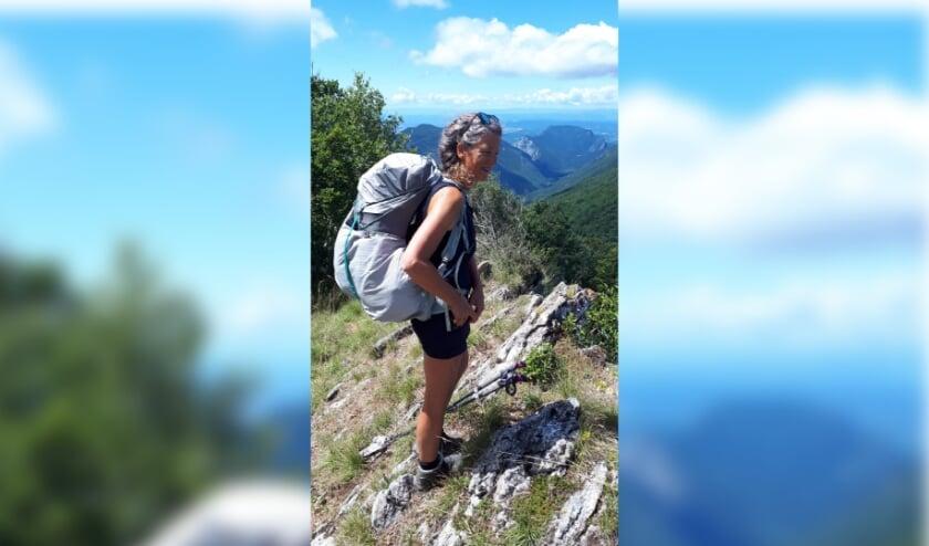<p>Annemiek van Oosten houdt van wandelen. Zij maakte door de jaren heen al veel bijzondere tochten.</p>
