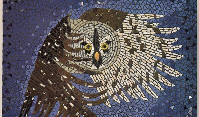 Ineke Stolk maakt prachtige tableaus, maar ook allerlei andere kunstzinnige uitingen met mozaiëk. (foto: pr)
