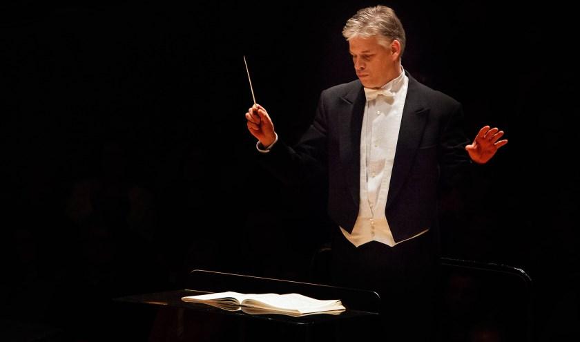 Bij dirigent Eric Kotterink is het ECOK al jaren in goede handen. Zaterdag staat het jubilerende koor met onder meer het Te Deum van Berlioz en de Krönungsmesse van Liszt in het Muziekcentrum.
