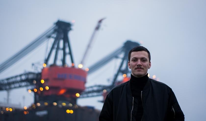 'Van jongs af aan vond ik Rotterdam al indrukwekkend, het is veel groter en spannender dan Brielle.' (Foto: Max Barendrecht)