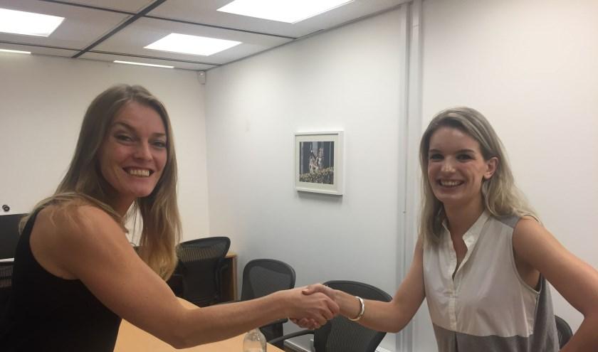 Nora Kastein (links), creative director van Margin A&M en Judith Huismans van de Chamber of Commerce in Hong Kong.