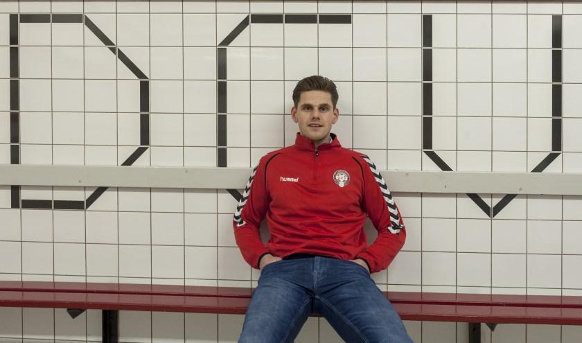 Johan van Wageningen van DCV kan de rest van het voetbalseizoen niet spelen door een blessure aan zijn knie. (Foto: Wijntjesfotografie.nl)