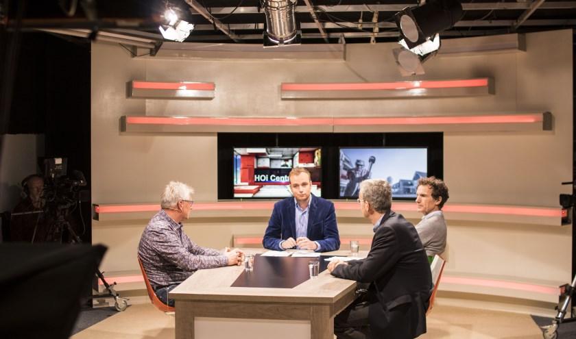 HOi is de enige van de vier lokale omroepen, die nu behalve radio- ook tv-uitzendingen maakt. Het is volgens Ton Brinker logisch dat de goed geoutilleerde studio aan de Koninginnestraat in Nijverdal straks de 'tv-basis' van RTV Reggestreek wordt.