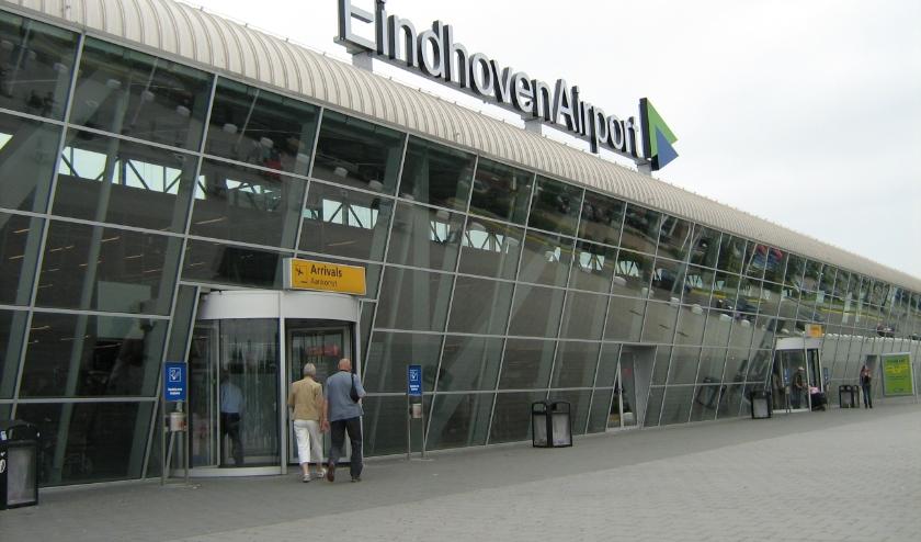 Eindhoven Airport blijft 'verkleind' open. FOTO: Henk Hendrikx.
