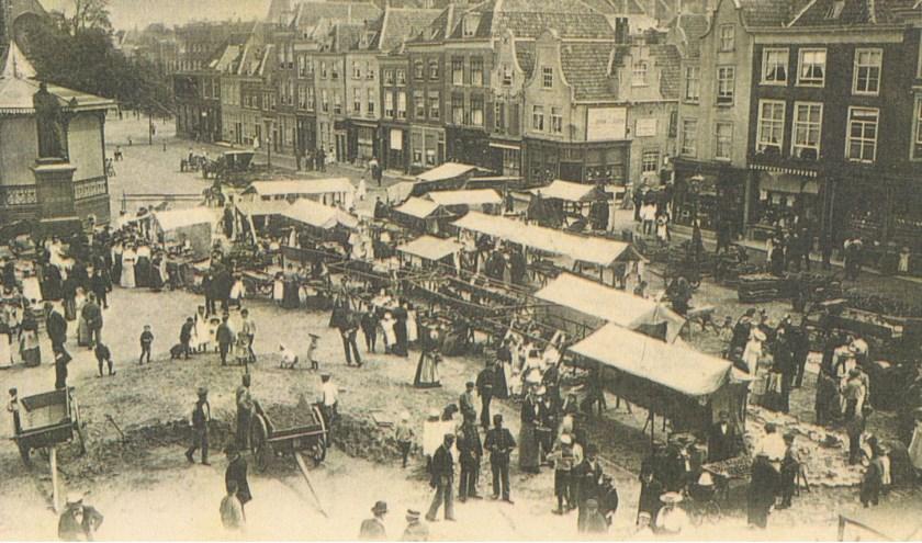 Marktdag aan het begin van de twintigste eeuw.