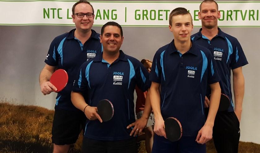 Het 2e herenteam van NTC Leogang. Vlnr: Edwin Bouw, Eric van Noorden, David van der Zwan en Johan Wiebenga.
